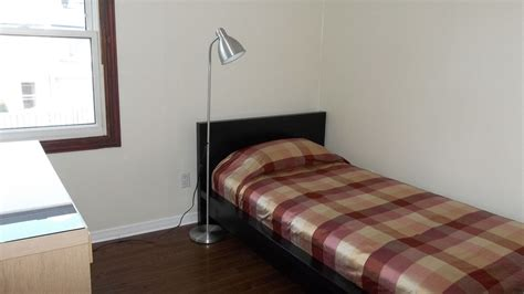 CLEAN ROOM FOR RENT NEAR CARLETON UNIVERSITY   University