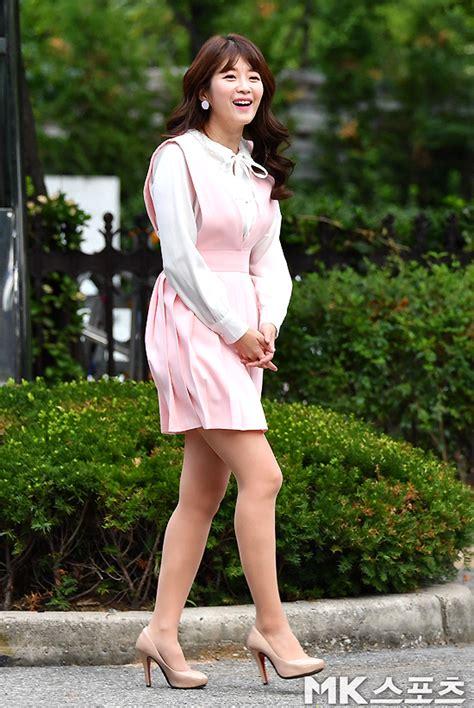 김승혜, 분홍색 하이힐 신고 출근 [MK포토] - MK스포츠