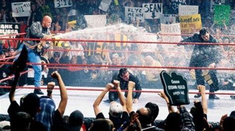 스톤콜드, 과거 WWE탈단 왜? '빈스와 진짜 싸웠다' - 손에