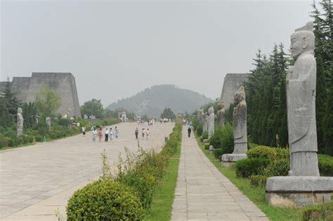 중국 보계시 측천무후 건릉(則天武后乾陵, Qiánlíng)