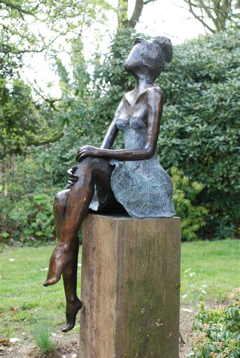 bronzen beeld voor de tuin, bronzen tuinbeeld, beeld in de