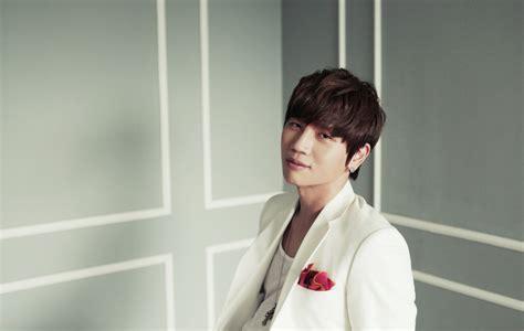 케이윌, '별처럼' 1위 올라 음원의 제왕 입증 | 텐아시아