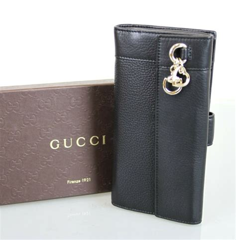 New Authentic Gucci Leather Continental Wallet w/Heart Bit