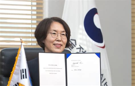 韓, 세계 10번째 '아르테미스 약정' 서명…유인 우주탐사 기회