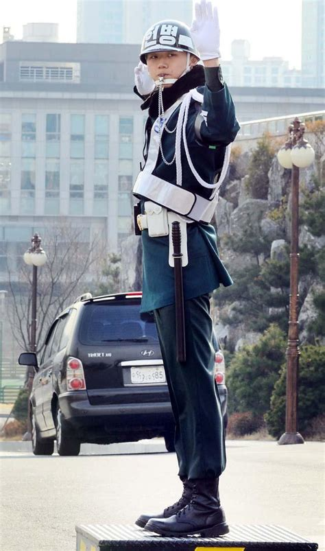 [군복의 품격] 육군 헌병, 명예ㆍ솔선ㆍ봉사' 모범으로 '똘똘
